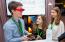 Elevii români au câștigat competiția globală Social Innovation Relay după ce au inventat ochelarii care îi ajută pe nevăzători